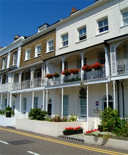 Pier view bed and breakfast in southend on sea essex for 1 royal terrace southend on sea